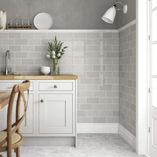 Savoy Wall border tiles in a stunning grey gloss finish
